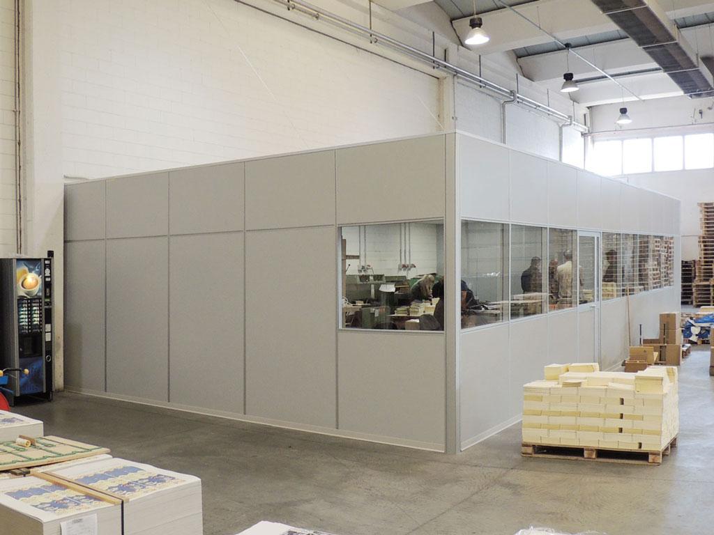 box di reparto con pareti mobili divisorie e vetrate