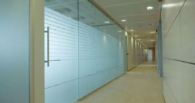 pareti mobili totalmente vetrate ad alto isolamento acustico ed ...