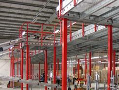 Soppalchi con aperture laterali e rampe per carico e scarico collegate