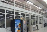 Uffici con magazzini ricavati sopra soppalchi realizzati con elementi modulari