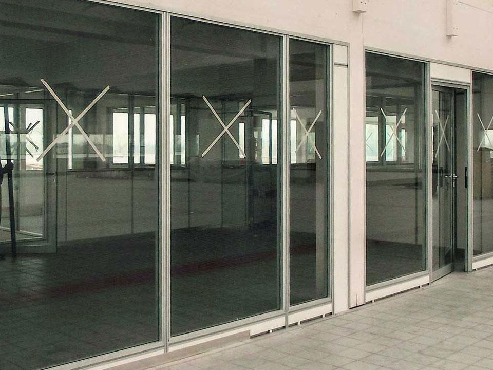 PARETI DIVISORIE modulari per uffici laboratori officine ...