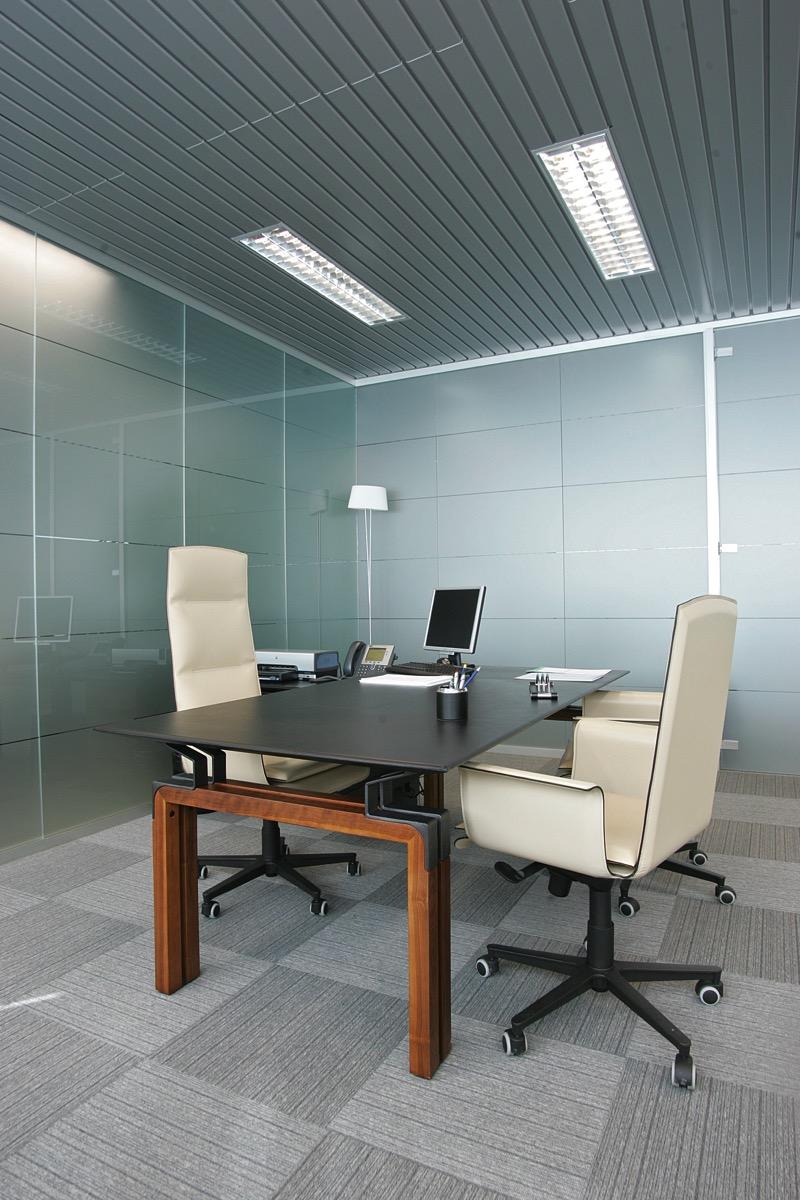 Pareti Attrezzate Moderne In Vetro : Uffici con pareti mobili in vetro integrabili