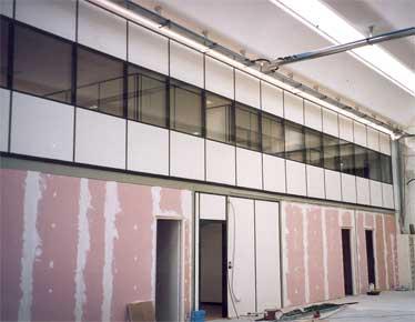 Uffici con pareti mobili componibili con pareti in vetro divisorie e attrezzate - Pareti mobili in cartongesso ...