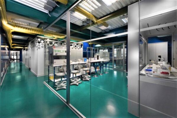 pareti in vetro per laboratori e box di reparto