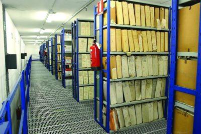 scaffalature metalliche ad uso archivio dossier