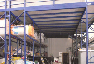 Soppalchi industriali su scaffalature metalliche