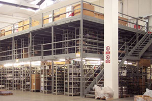 Soppalchi industriali modulari in ferro per strutture ed infrastrutture di grandi, medie e piccole dimensioni.