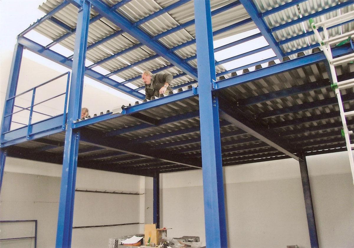 Soppalchi per magazzino e deposito soppalchi industriali for Garage a due piani con soppalco