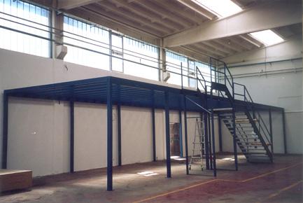 Soppalchi uso magazzino soppalchi industriali modulari for Piani di capannone per uffici esterni