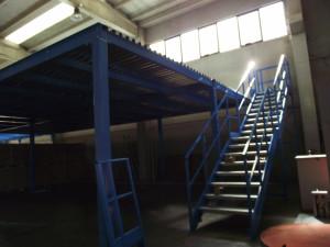 struttura soppalco magazzino 02 scala